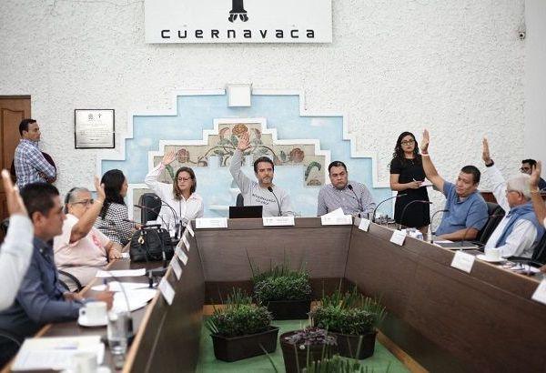 """En tanto, el alcalde Antonio Villalobos Adán explicó que ésta y otras direcciones están dirigidas a """"evitar a toda costa una crisis social en Cuernavaca"""""""