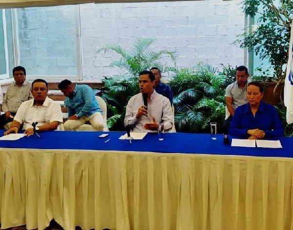 """En """"Acción Nacional Morelos hemos decidido que todos nuestros funcionarios públicos y partidistas donen un mes completo de su salario para destinarlo en acciones concretas a favor de la salud publica y de los sectores más vulnerables de nuestras comunidades"""", apuntó Martínez Terrazas"""