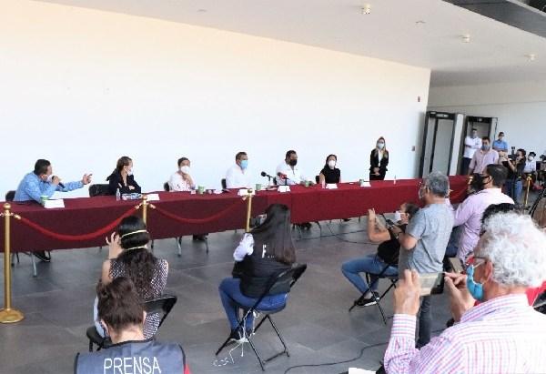 Alejandra Flores Espinoza, Rosalina Mazari Espín, Andrés Duque Tinoco y José Luis Galindo Cortez