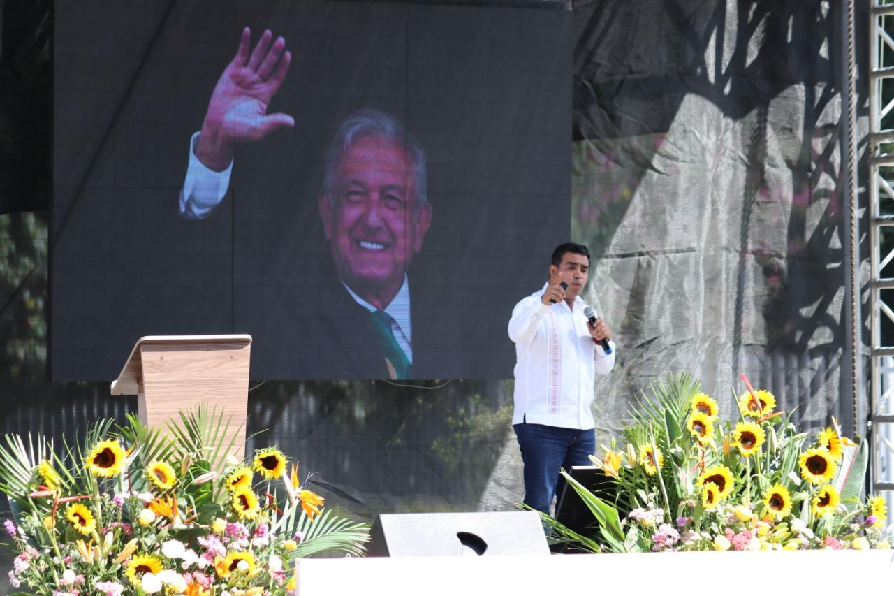 Al rendir su segundo Informe Legislativo, acompañado por la secretaria de Organización del Comité Nacional de Morena, Xóchilt Zagal y la diputada federal Juanita Guerra Mena, Pepe Casas dijo que en Morelos somos miles de hombres y mujeres de buena voluntad que deseamos la transformación de nuestro estado