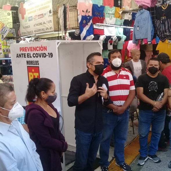 Finalmente los líderes de Plaza Degollado y La Fayuca solicitaron el apoyo de la Diputada Tania Valentina y de Moctezuma Serrato, con un túnel sanitizante