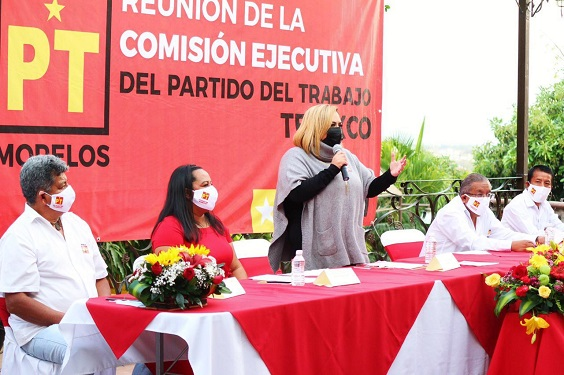 En el evento, se les entregaron sus nombramientos como coordinadores municipales de Temixco, y a Tacho Solis como coordinador del Distrito Federal 04.