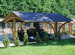 Spacieux Carport en Bois Recouvert de Bardeaux Bituminueux Noir ou Vert – Mesures: 585 cm x 600 cm x Hauteur 384 cm
