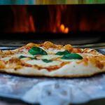 BBQ-Toro Ensemble Pizza en Acier Inoxydable avec Pizza et Pizza pour Barbecue à Pizza Ø 57 cm avec Moteur et élément Pizza avec Pelle, Pierre à Pizza et thermomètre