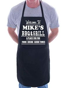 Print4U Tablier personnalisé Welcome To Mike's BBQ & Grill Noir