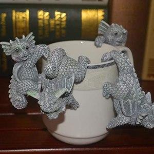 Nicejoy 4pcs Jardin Mini Ornements Dinosaure, Micro Paysage Ornements en Pot de Fleurs décorations de Pot de résine Sculptures d'animaux
