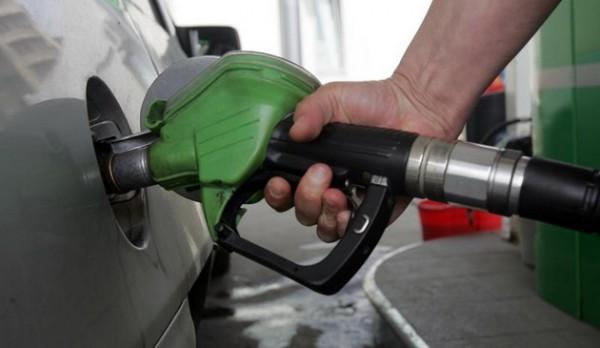 """Ministrul Teodorovici vrea să elimine acciza la carburant: """"Orice român normal la cap trebuie să aibă în vedere această măsură"""""""