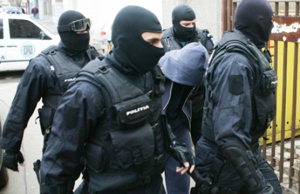 Descinderi în Hunedoara. Polițiștii au vizat mai mulți contrabandiști