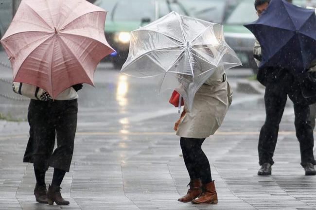 PROGNOZA METEO PE DOUĂ SĂPTĂMÂNI. După ninsori vin ploile, în mai multe zone din ţară
