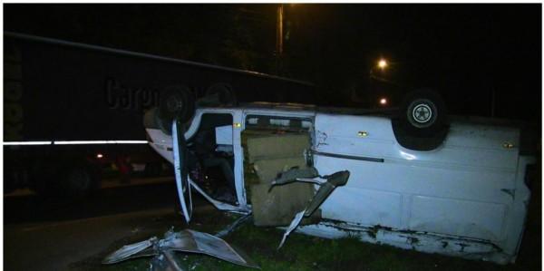 Un șofer din Călan, beat și fără permis a făcut accident cu o mașină furată