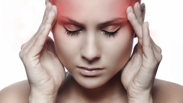 De ce ne doare, de fapt, capul după ce bem vin. Această explicaţie te va pune pe gânduri