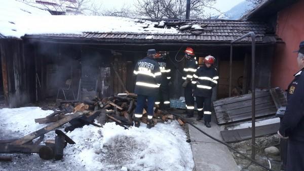 Incendiu acum la Lonea