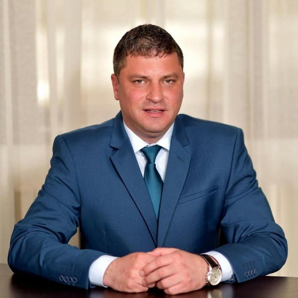 Locuri de muncă intermediate de primarul din Lupeni pe șantierul construcției canalizării din Straja