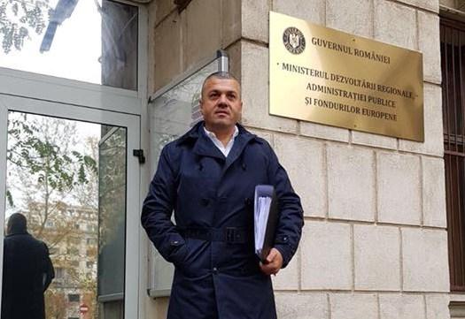 Primarul Uricaniului a obținut de la Guvern bani pentru infrastructura din educație