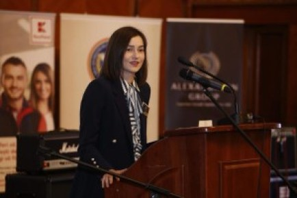 Lupeneanca Diana Velicu, cel mai bun student român din străinătate, are nevoie de sprijin pentru a-și definitiva studiile în medicină în SUA
