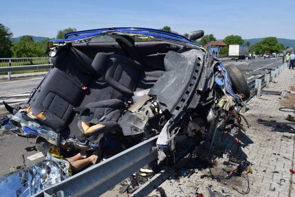 GALERIE FOTO. Accident devastator lângă Brad