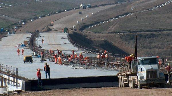 Autostrăzi pe ultima sută de metri: Care sunt constructorii cu cele mai mari progrese înainte de închiderea şantierelor