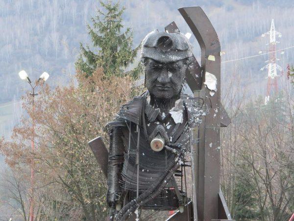 Exploatarea Culturală Petrila are din 15 noiembrie 2018, un Muzeu și un Monument al Salvatorului Mineri