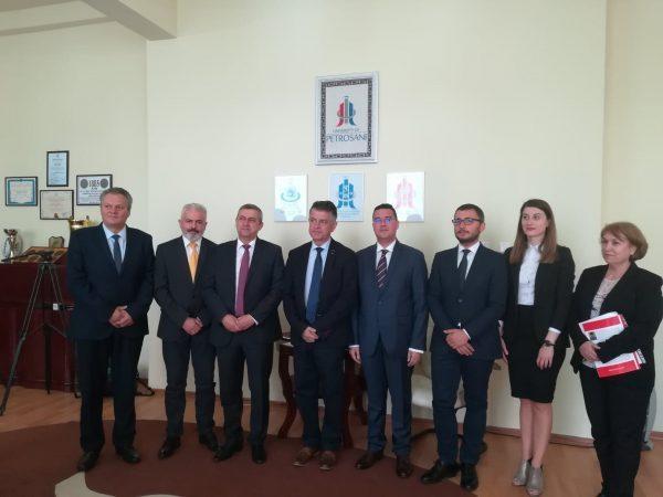 La Universitatea Petroșani se constituie un consorțiu pentru formarea de specialiști în domeniul energiei regenerabile