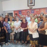 Premii din partea social-democraților din Lupeni pentru cele mai frumoase grădini de cartier amenajate de cetățeni