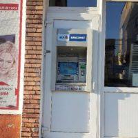 Urmare a demersurilor primarului Vasile Jurca, a fost reinstalat un bancomat BCR în Petrila