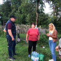 Acțiuni în spirit de solidaritate ale autorităților locale din Uricani cu familiile afectate de inundațiile din iunie