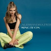 Debut de 10 în muzica românească pentru petroșeneanca Alessandra Petroșca