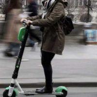 Regulile privind trotinetele electrice: Vor putea fi folosite doar pe pistele de bicicletă sau pe drumurile din orașe – Proiect de hotărâre al MAI
