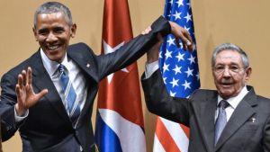 Obama insieme a Raúl Castro