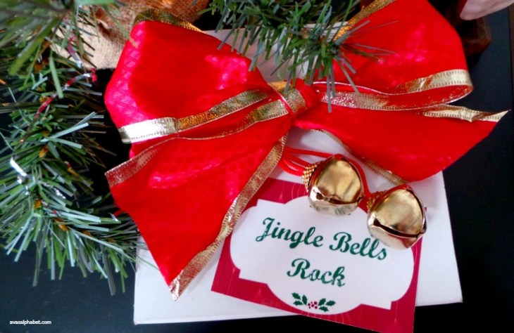 Jingle Bell Bottle Wrap with Printable Tag