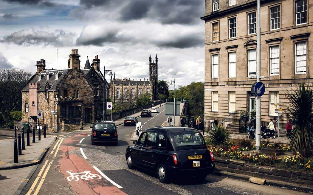 City view of Edinburgh. Edinburgh is the capital city and second most populous city in Scotland. Click through to see 28 mind blowing photos of Scotland! - Avenly Lane Travel