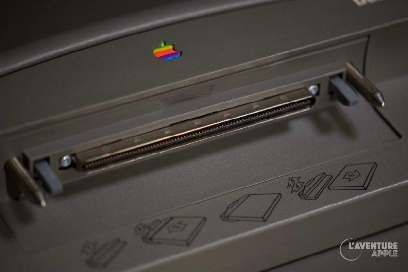 Apple PowerBook Duo powerlatch port on Minidock