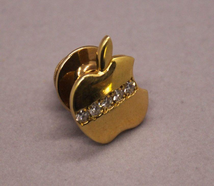 Pins Apple à diamants