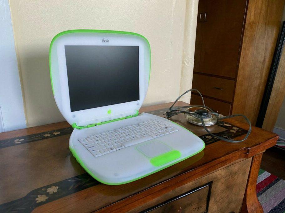 Apple iBook Key Lime