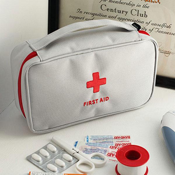 kit de premiers soins gris