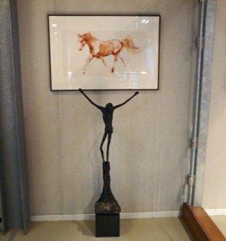 """De """"Crucifix"""" van Jits Bakker is er voor paard en mens."""