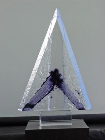 """Grzegorz Staniszewski, """"Delta"""", kristalglas, 36 x 22 cm (hxb)."""
