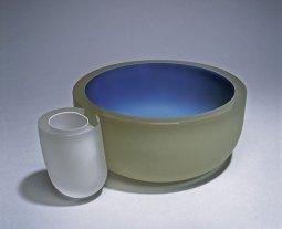 """Menno Jonker, """"Reflected Sky"""", 2001, geblazen, samengesmolten, geslepen en gematteerd kristal, 41 cm."""