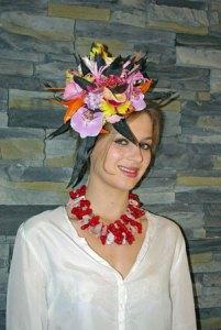 Charlotte draagt met verve de dubbele halsketting van Marleen Rameckers.