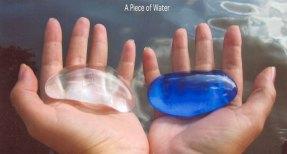 """Simsa Cho, """"A piece of water"""", massage glass objects."""