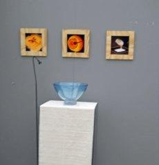 Monique Swinkels, een blik in haar 'stijlkamer' met Kom en wandpanelen.