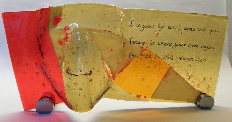 """""""Unwritten"""", gefused en gebrandschilderd glas, 40 x 20 cm"""