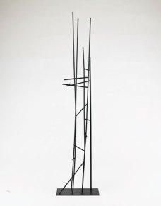 """""""Hong Kong"""", Object in messing, zwart gelakt. 2008. 77 x 19 x 7 cm."""