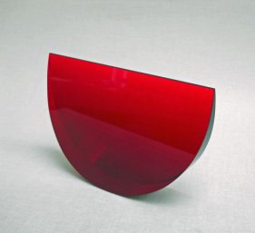 """""""Schijf Rood"""" klein, optisch kristal, 15x10x3 cm."""