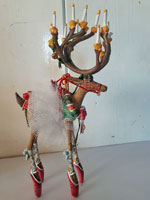 Rendier Kerst uit de collectie van Patience Brewster, USA, hoog 19 cm.