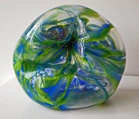 Glassculptuur Nr.11718 - door metaal geblazen glas, 34 x 22 cm.