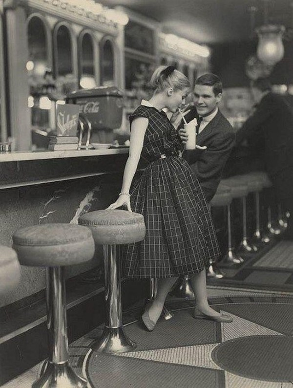 How they used to date in the 1950s