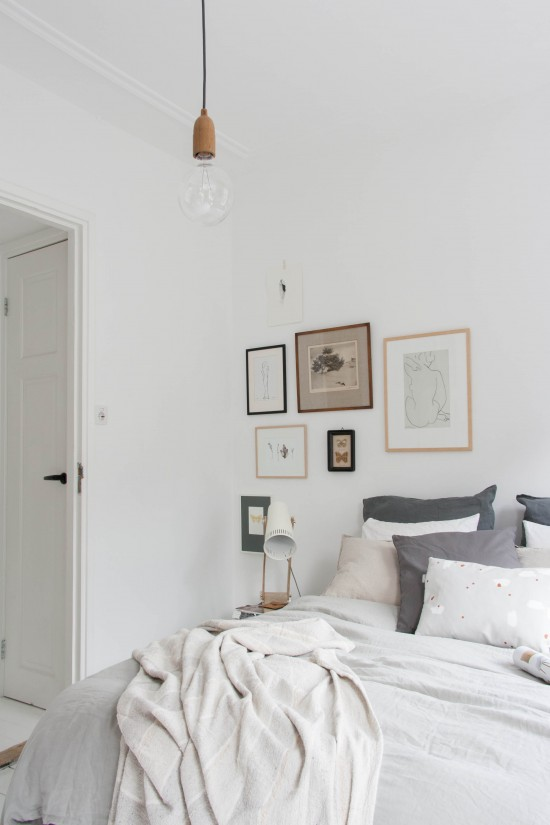 Decorate the bedroom with pictures