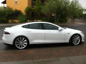 Tesla S-Model