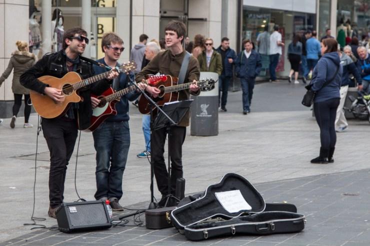 liverpool one beatles street performers